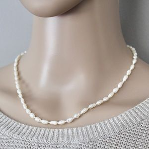 """Freshwater Pearl Necklace Hand Knotted 17.25"""""""